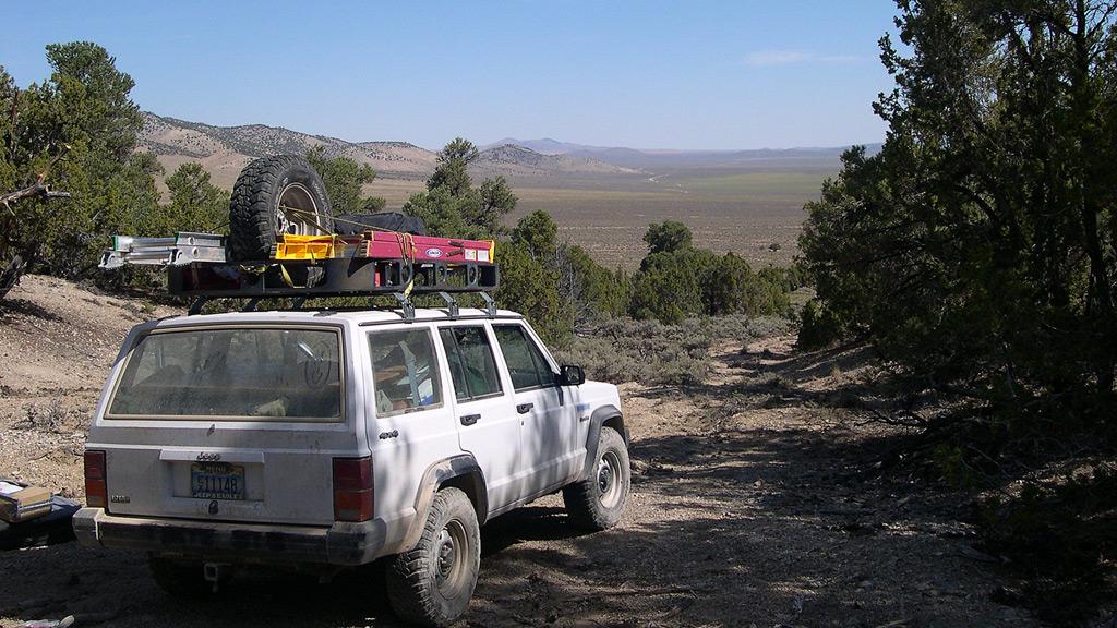 Neotec field Jeep