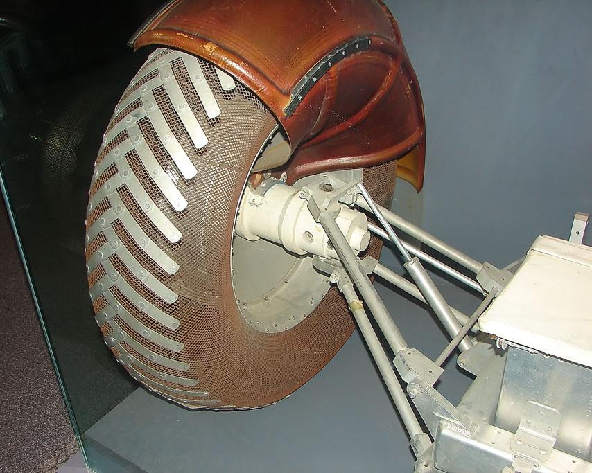 Lunar rover suspension, Andrew D. Barron ©2007
