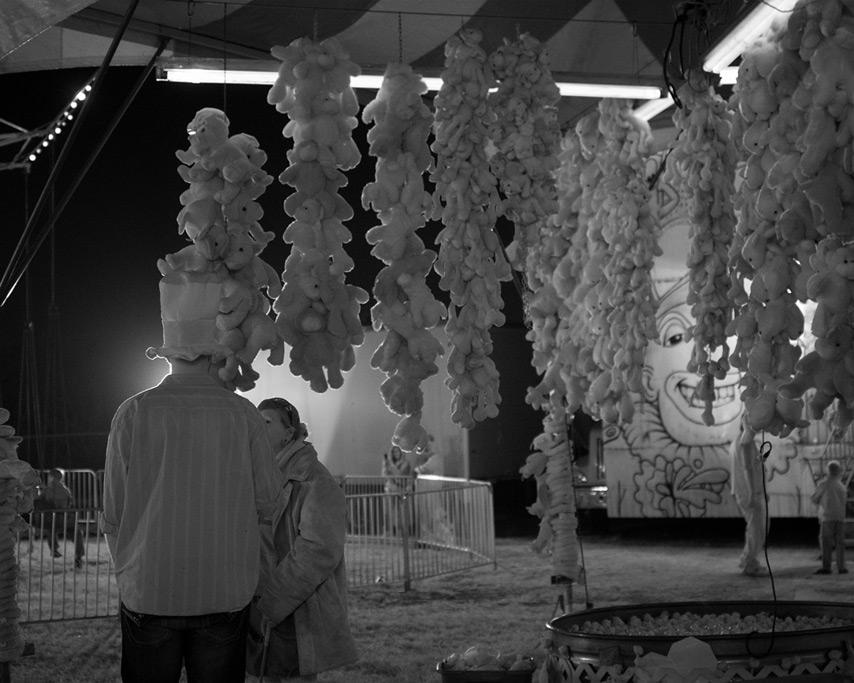 Fair worker conversation, Curry County Fair, Andrew D. Barron©7/30/11