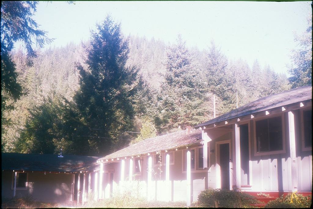 Gasquet motel, Andrew D. Barron©1/3/12