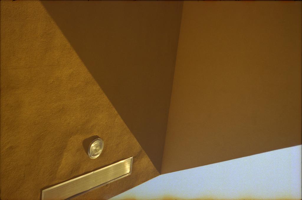 Cafe De Thai, Reno NV, Andrew D. Barron©October 2012 [Leica IIIf, Sumitar 50mm ƒ2.0, Portra 400]