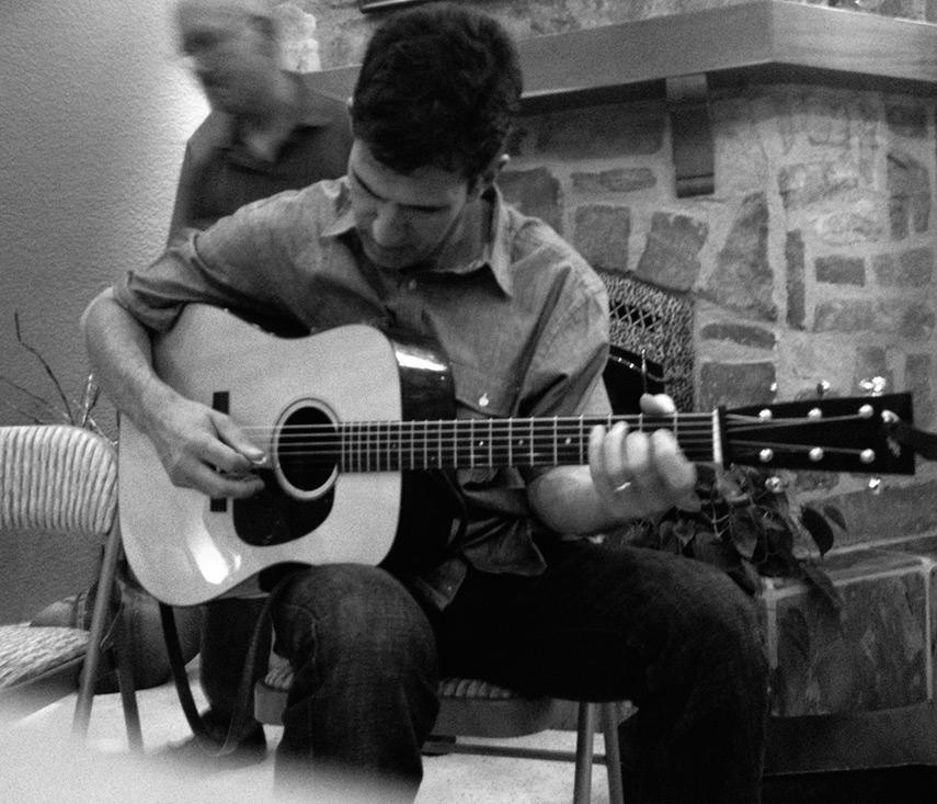 Bill McKean on guitar, Andrew D. Barron©7/17/13 [iPhone 4S:645 Pro]