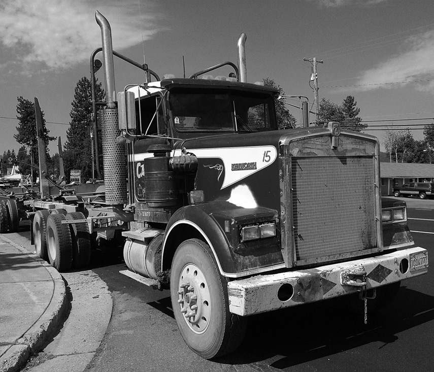 Chester breakfast: Log truck, Andrew D. Barron©7/26/13 [iPhone 4S:645 PRO]